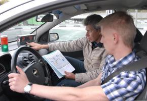 Уроки вождения у частного автоинструктора